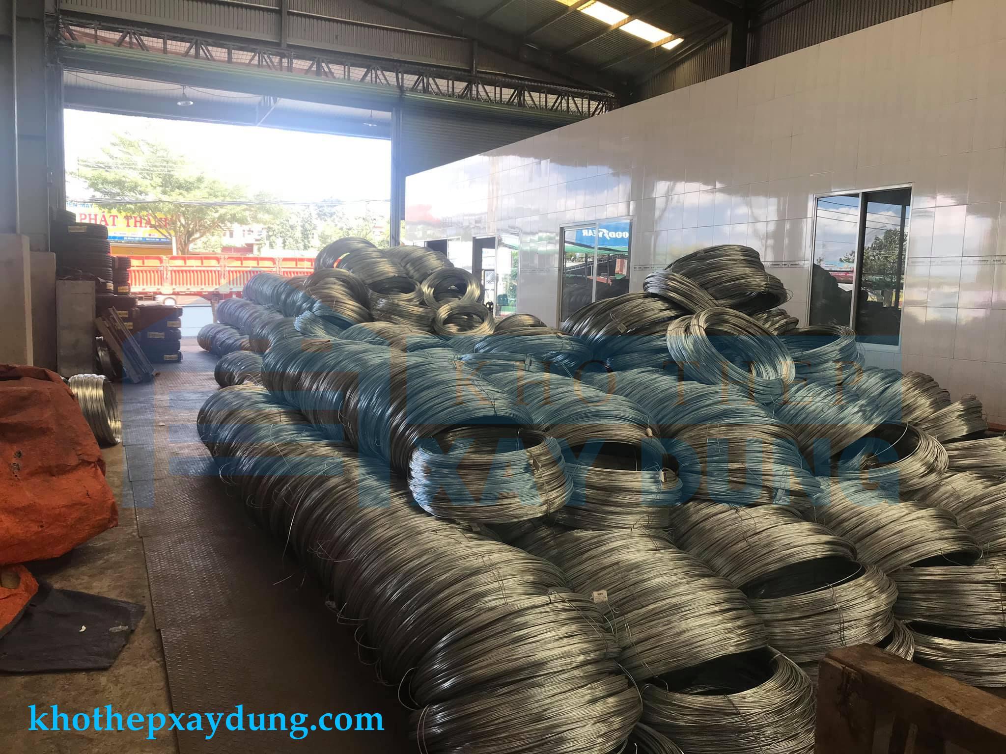 Thép Cuộn trong kho hàng hệ thống khothepxaydung.com